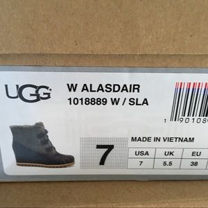 f4040a34a74 New Ugg Alasdair Slate Bootie wedge boots Sz 7 💕 NWT
